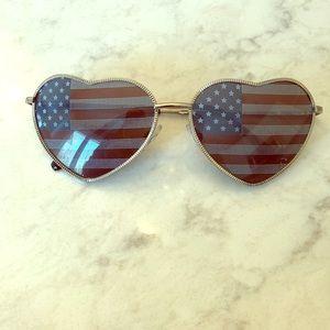 Accessories - American flag heart sunglasses